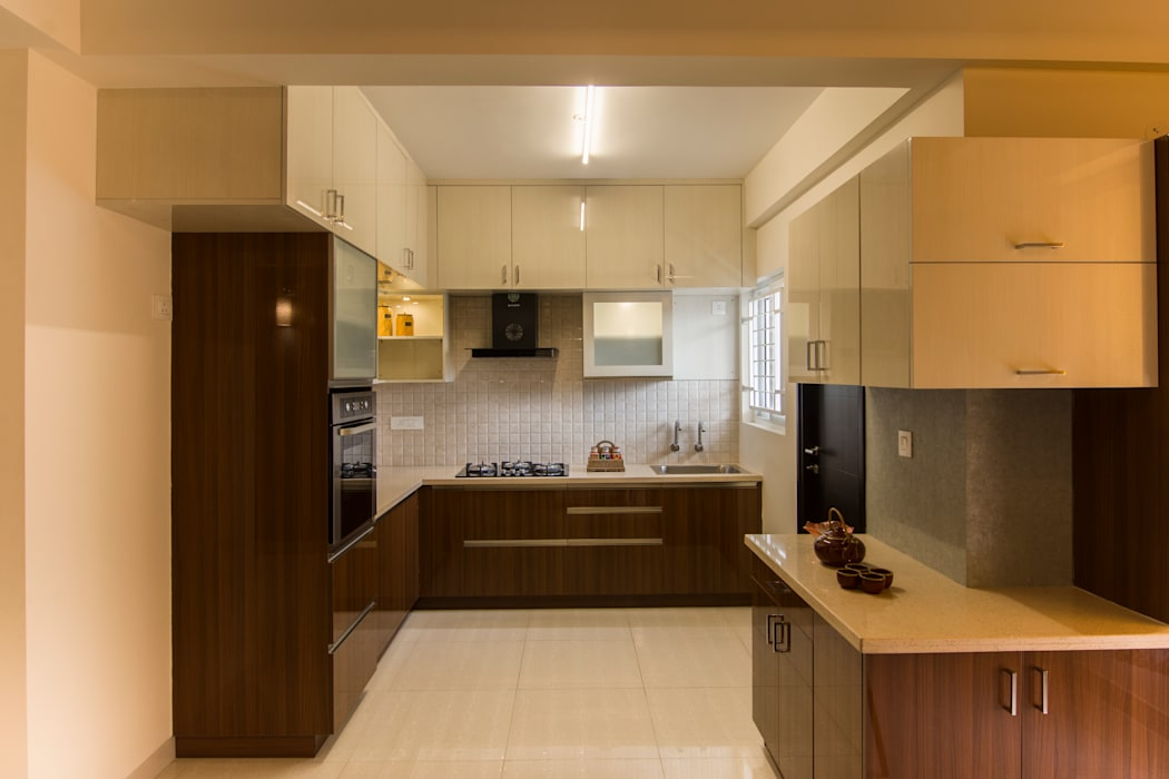 Sumadhura Soham Tropical style kitchen by Enliven Interiors Tropical