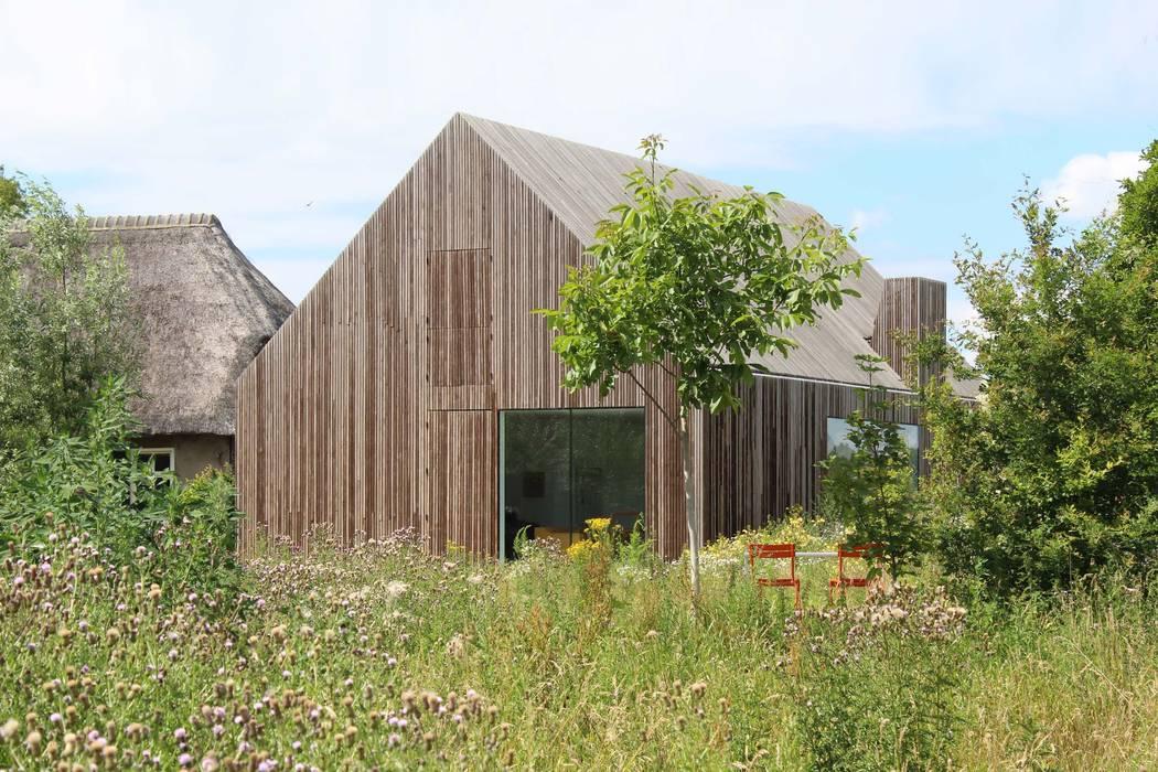 Julius Taminiau Architects Wooden houses Wood Wood effect