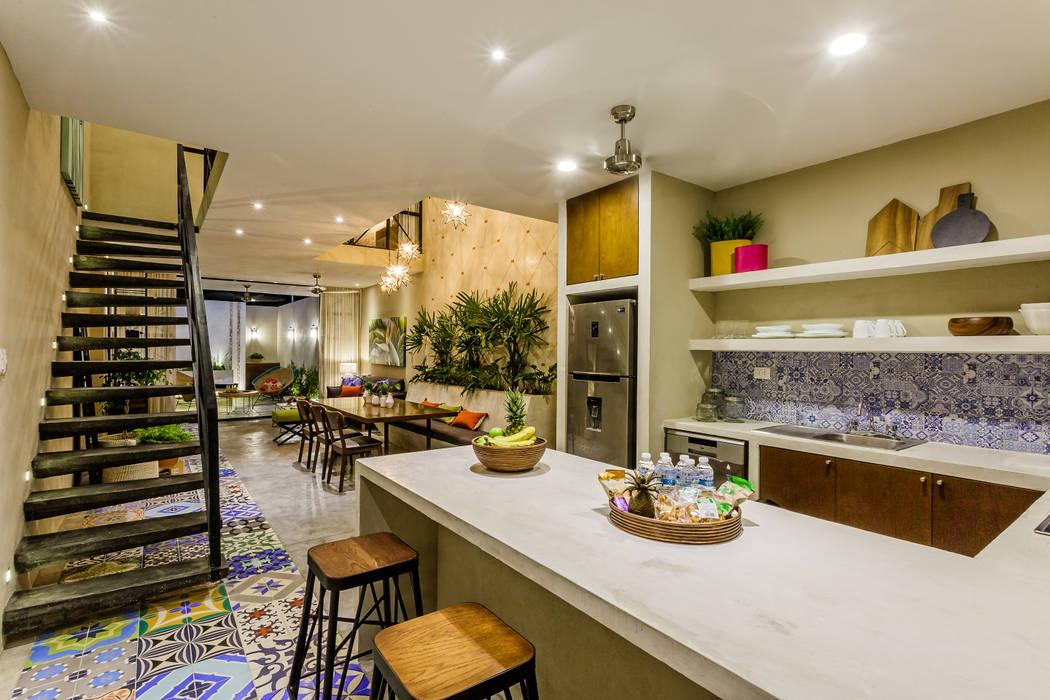 Casa 76 UNO DOS INTERIORES Cocinas pequeñas