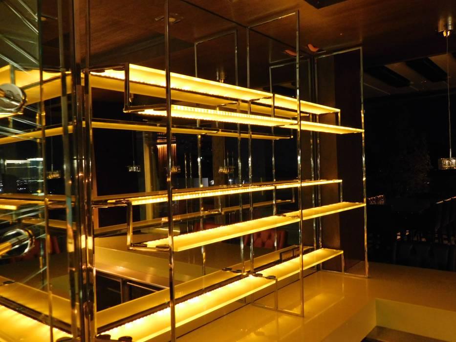 Iluminación / Bar Condado de Sayavedra Bodegas modernas de dBLuM°C Project Management Moderno