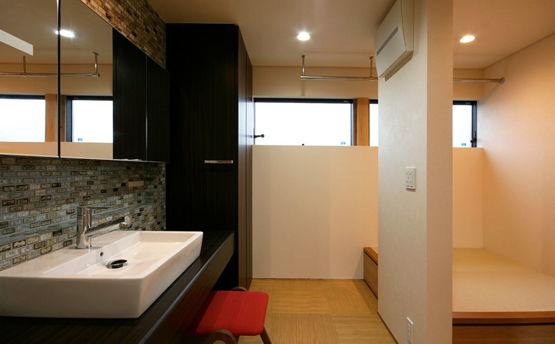 Asian style bathroom by Studio tanpopo-gumi 一級建築士事務所 Asian