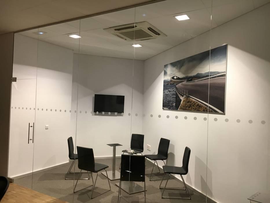 by Arquide Estudio, reforma y rehabilitación en Madrid Scandinavian Glass