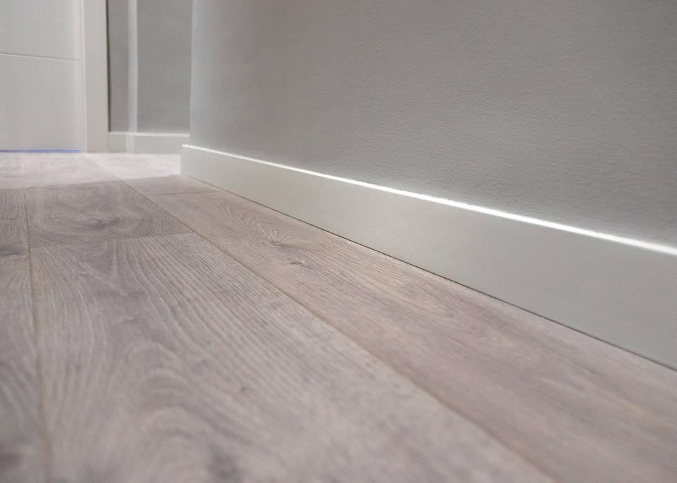 Suelo de parquet de Grupo Inventia Moderno Compuestos de madera y plástico