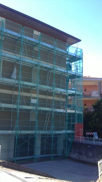 Riqualificazione energetica di edifici residenziali e direzionali in provincia di Brescia di Progettazione BIM, architettura e riqualificazione Moderno