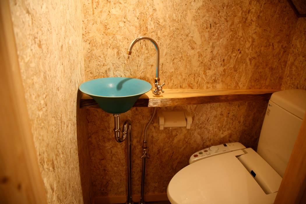 トイレ 北欧スタイルの お風呂・バスルーム の 株式会社高野設計工房 北欧