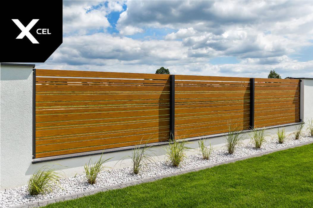 Nowoczesne ogrodzenie drewnopodobne z aluminium od Xcel Nowoczesny