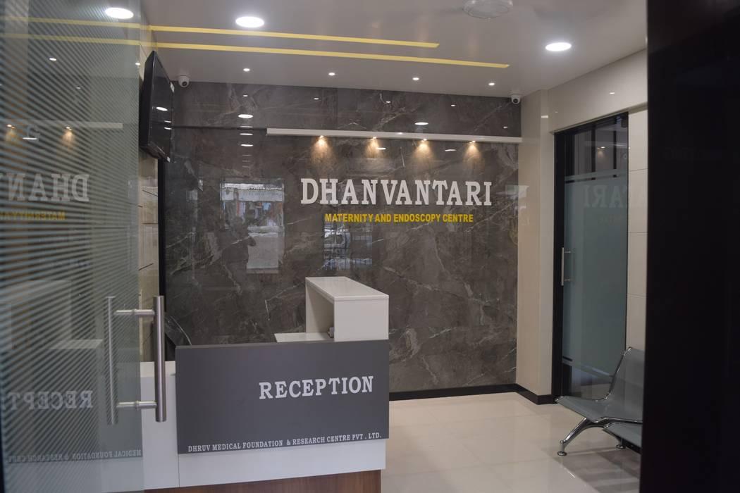โดย N design studio,Interior Designer Mumbai มินิมัล