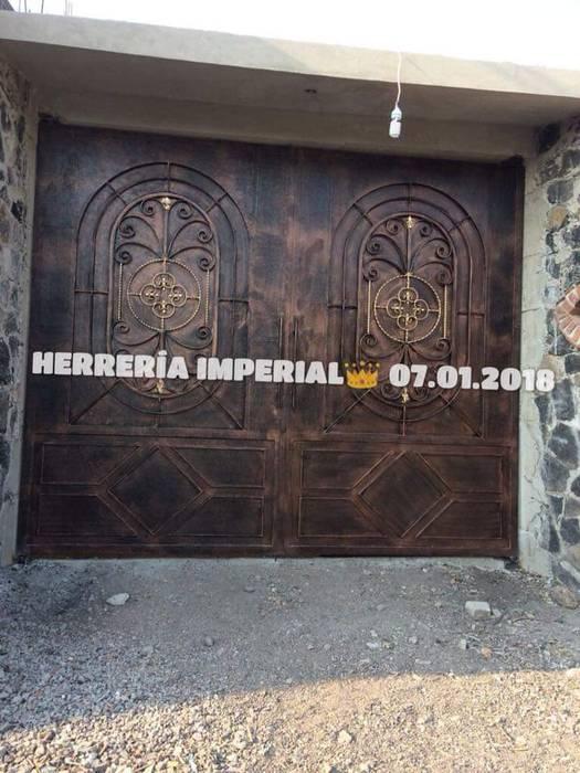 Portones Coloniales. Garajes coloniales de Herreria y Aluminio Imperial Colonial Hierro/Acero