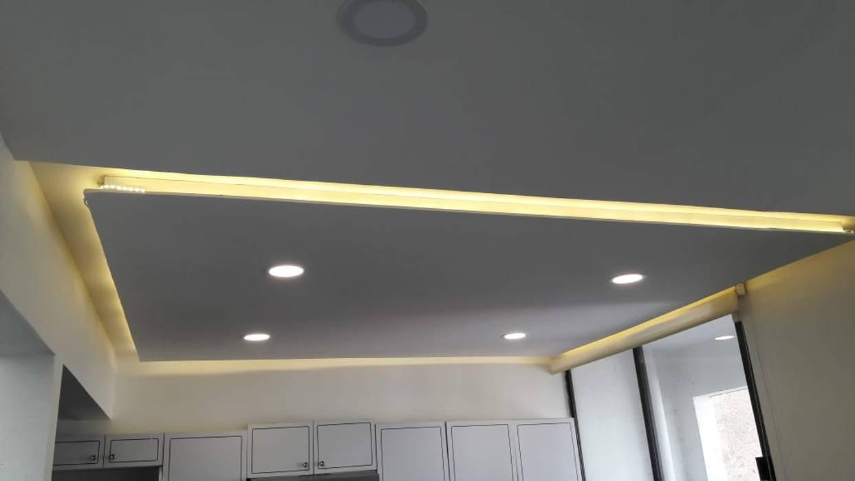 Instalación de lamparas JBConstrucciones, Diseños, Acabados y Desazolves Techos planos Blanco