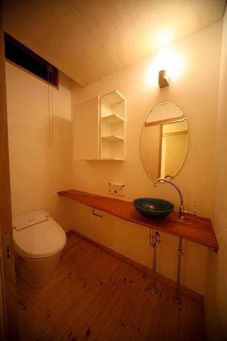 株式会社高野設計工房 Scandinavian style bathroom
