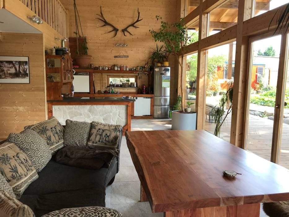 offene Küche Skandinavische Küchen von THULE Blockhaus GmbH - Ihr Fertigbausatz für ein Holzhaus Skandinavisch Holz Holznachbildung