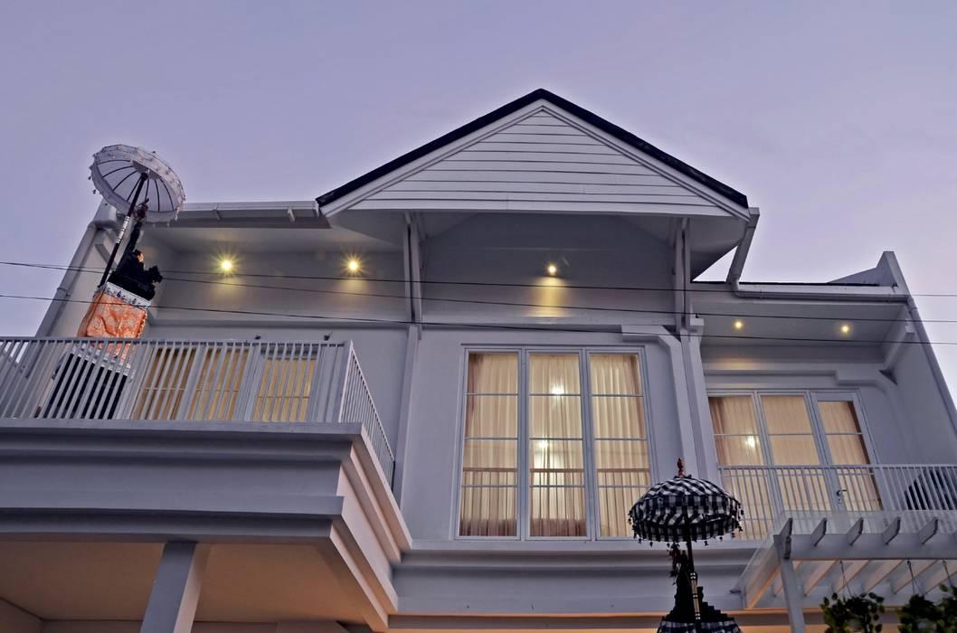 White House With The Blue Door Oleh Putri Bali Design (PBD) Mediteran Kayu Wood effect