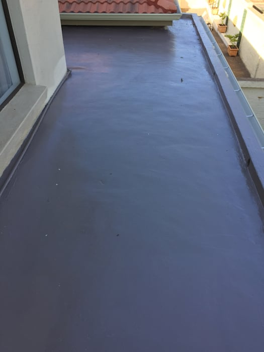 Sable Hill Pretoria Polyurethane Epoxy Waterproofing:  Flat roof by Speciality Waterproof & Roof, Classic Concrete