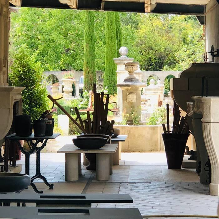 Atelier Alain Bidal, taille de pierre et matériaux anciens en Provence Maisons méditerranéennes par Atelier Alain BIDAL - Taille de pierre et Matériaux anciens en Provence Méditerranéen Pierre
