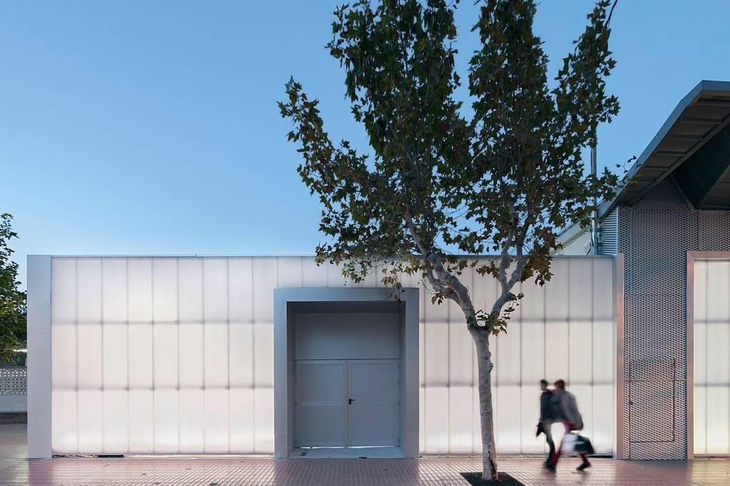 Reforma Estación de Benidorm Espacios comerciales de estilo moderno de HULOT arch. studio Moderno