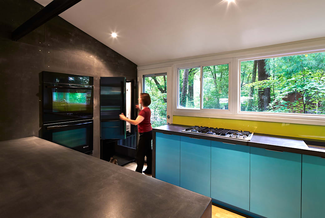 Dual Modern Modern Kitchen by KUBE architecture Modern