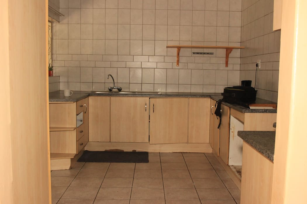 Melamine kitchen before by Pretoria Kitchens and Bedrooms