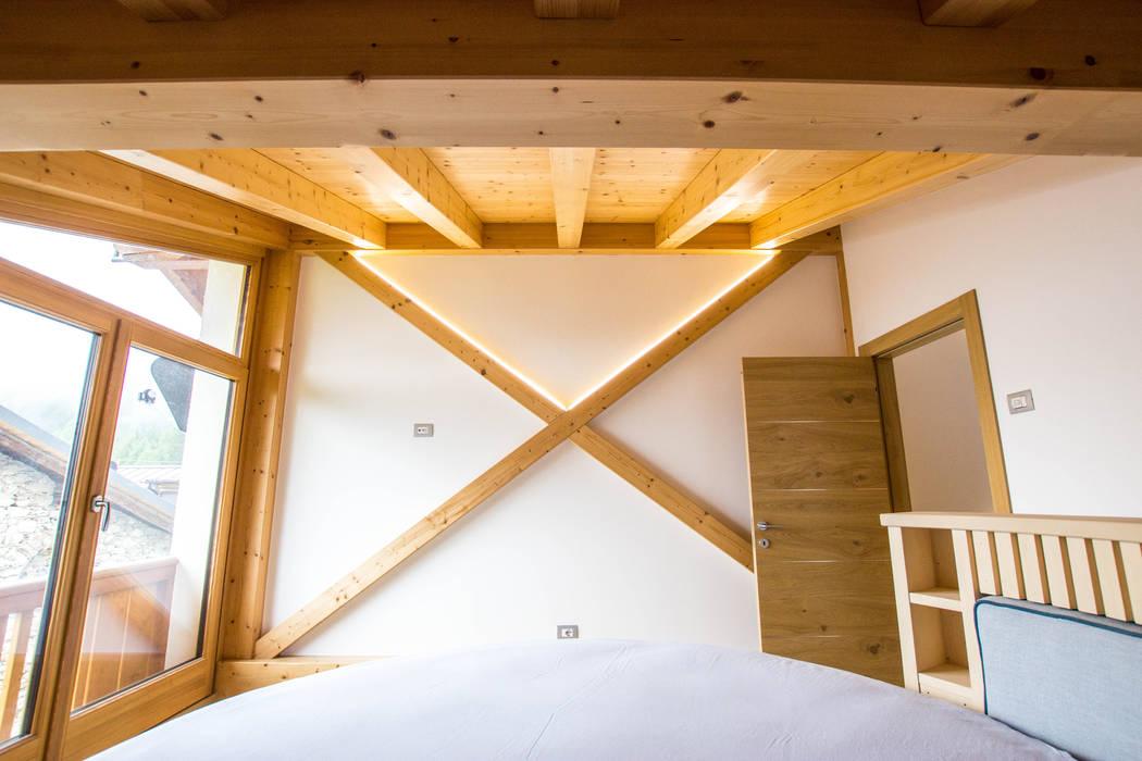 Monico Impianti Bodegas de estilo moderno Madera Acabado en madera