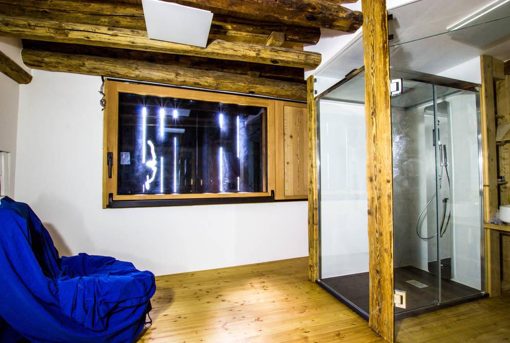 Monico Impianti Estudios y despachos de estilo rural Madera Acabado en madera
