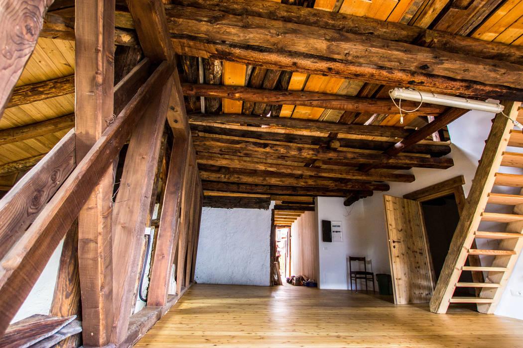 Monico Impianti Comedores de estilo rural Madera Acabado en madera