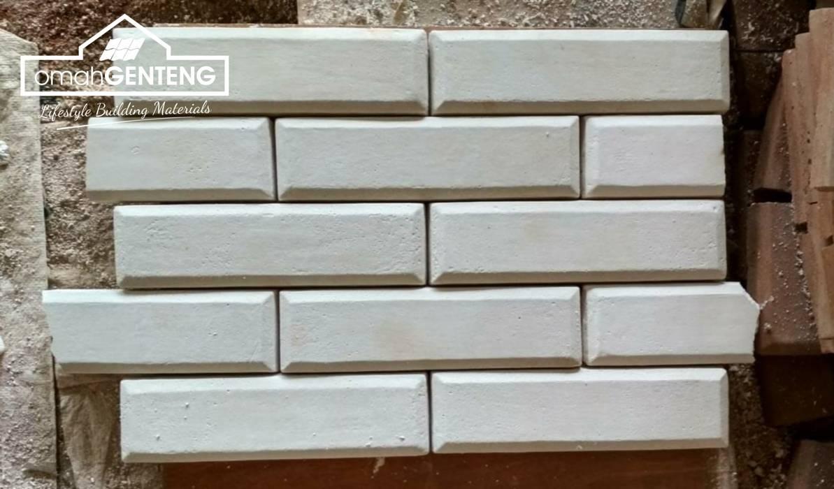 Bata Tempel - HP/WA: 08122833040 - Omah Genteng Omah Genteng Dinding & Lantai Gaya Klasik Batu Bata White