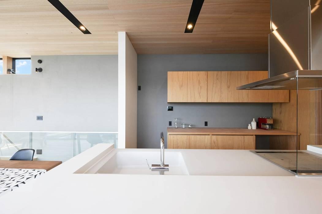 Kitchen オリジナルデザインの キッチン の STaD(株式会社鈴木貴博建築設計事務所) オリジナル