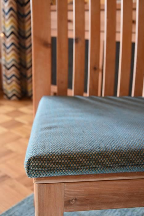 Neuer Bezugsstoff Esszimmer im Landhausstil von T-raumKONZEPT - Interior Design im Raum Nürnberg Landhaus Massivholz Mehrfarbig