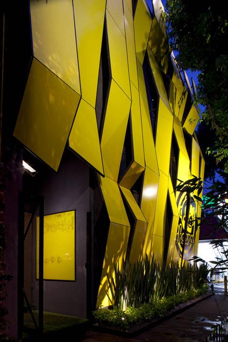 Boutique de Arquitectura ¨Querétaro [Sonotectura+Refaccionaria] Modern Kitchen Aluminium/Zinc Wood effect