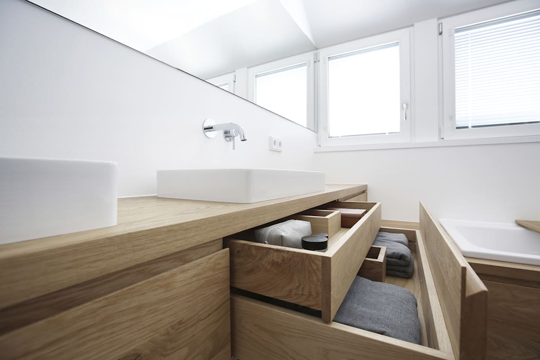 Minimalist style bathrooms by eva lorey innenarchitektur Minimalist Wood Wood effect