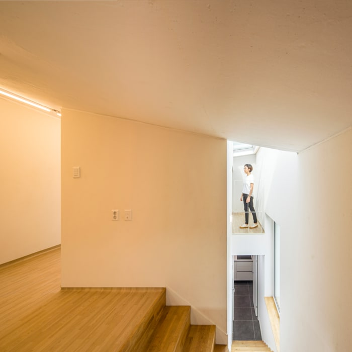 Salas de estilo moderno de 수상건축 Moderno