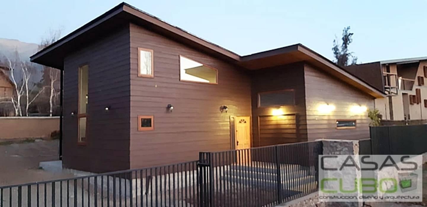 CASA PEÑALOLEN - 191M2 + terraza principal 28M2, terraza acceso 6m2. Casas estilo moderno: ideas, arquitectura e imágenes de casas cubo Moderno