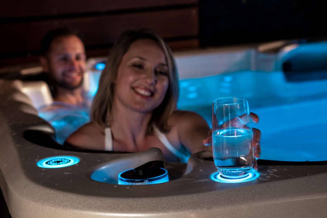 Vortex Whirlpool Beleuchtung Moderner Garten von SPA Deluxe GmbH - Whirlpools in Senden Modern