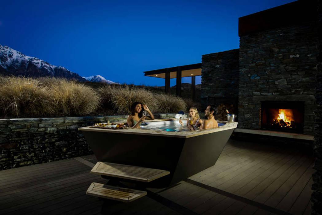 Vortex Design Whirlpool Moderner Balkon, Veranda & Terrasse von SPA Deluxe GmbH - Whirlpools in Senden Modern