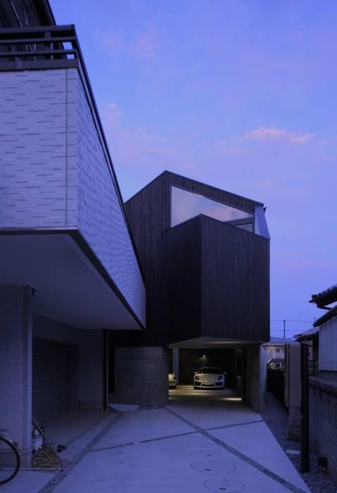 GHK モダンデザインの ガレージ・物置 の キューボデザイン建築計画設計事務所 モダン