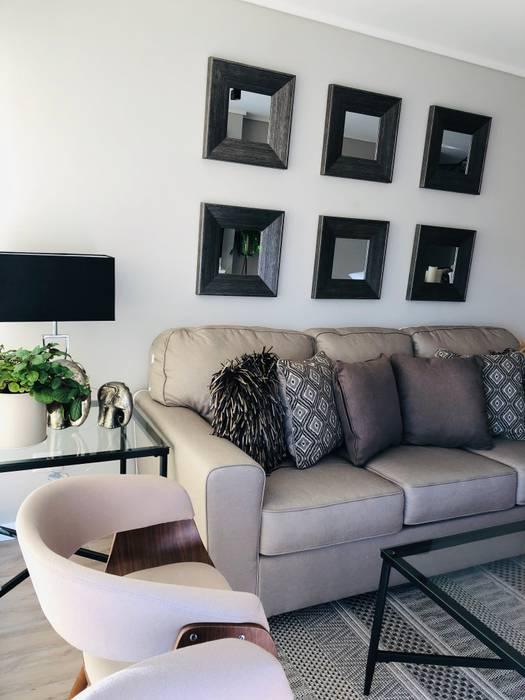 Deco muro con espejos pequeños Livings de estilo moderno de Oscar Saavedra Diseño y Decoración Spa Moderno