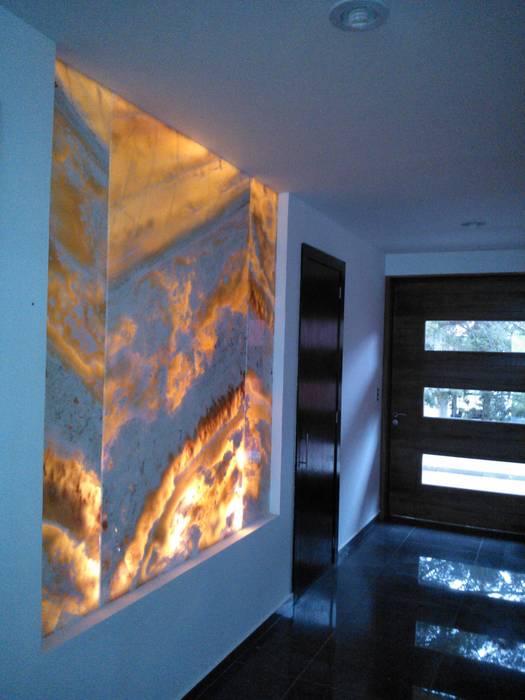 Murs & Sols modernes par VCArq Moderne Pierre