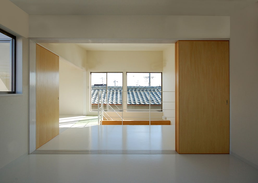 Modern style doors by HAMADA DESIGN Modern