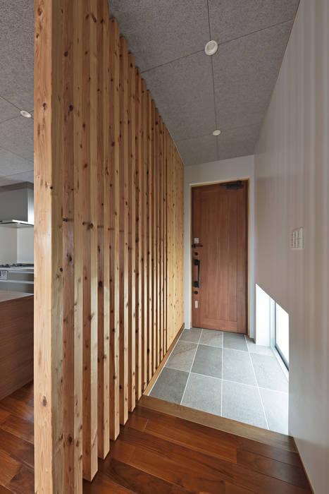 玄関 モダンスタイルの 玄関&廊下&階段 の プラソ建築設計事務所 モダン