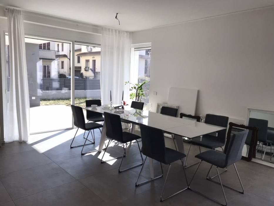 Puertas y ventanas de estilo minimalista de PIEMMEGI SRL Minimalista Aluminio/Cinc