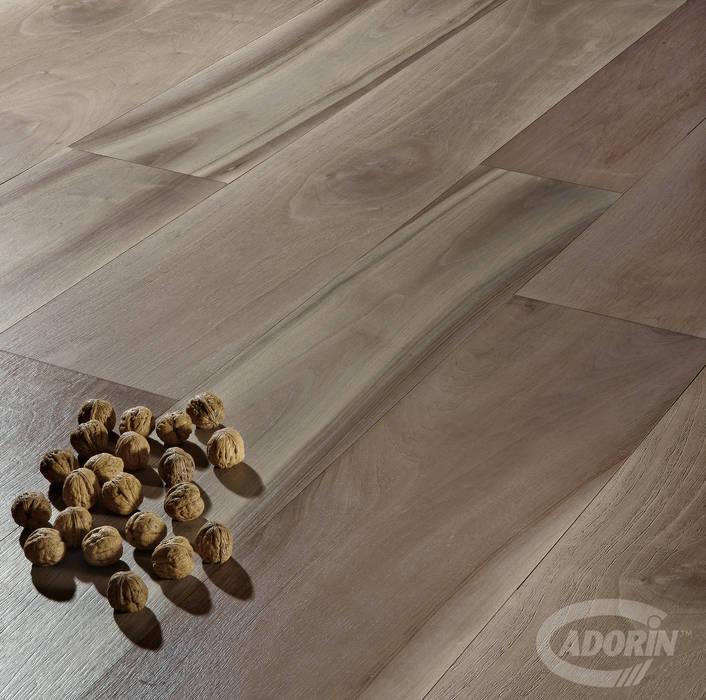 European Walnut, Brushed, Bark varnished от Cadorin Group Srl - Italian craftsmanship Wood flooring and Coverings Модерн