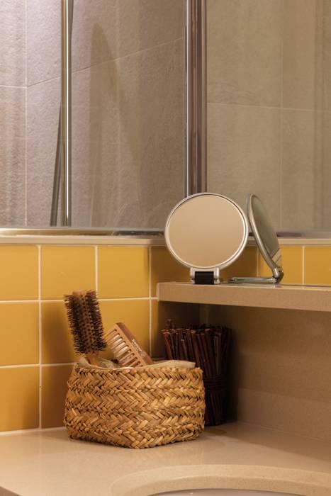 Detalle baño Baños de estilo moderno de CREAPROJECTS. Interior design. Moderno