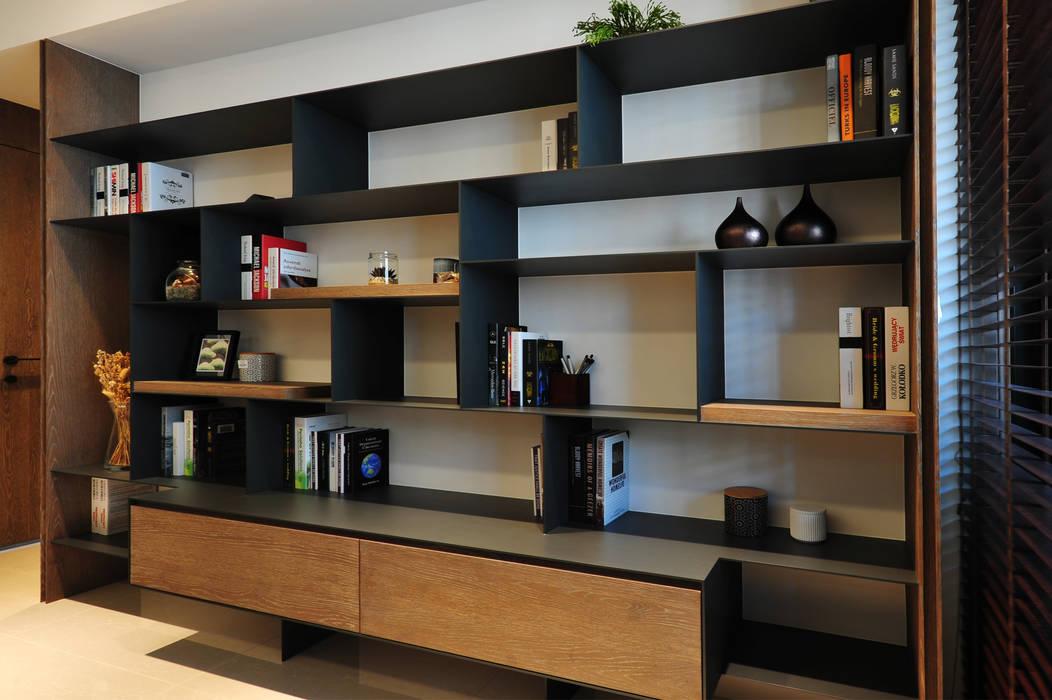 Minimalist study/office by 黃耀德建築師事務所 Adermark Design Studio Minimalist