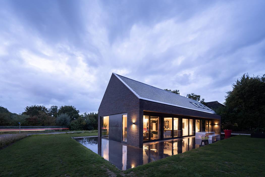 Modern houses by JADE architecten Modern