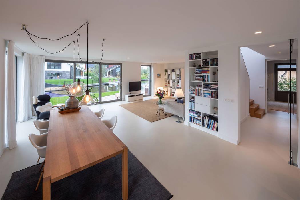Salas de estilo moderno de JADE architecten Moderno