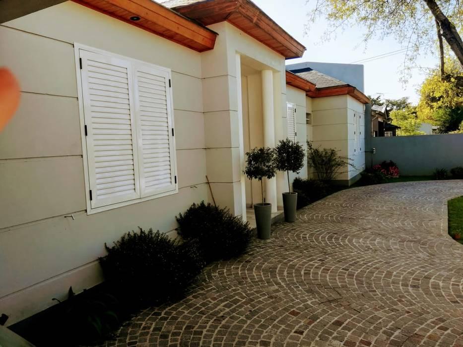 Mc Govern estudio de arquitectura Portas de entrada Tijolo Cinza