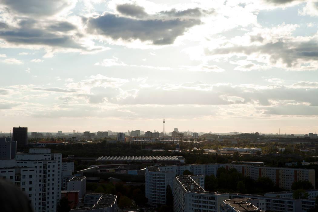 über Marzahn hinaus Industriale Veranstaltungsorte von Müllers Büro Industrial Eisen/Stahl