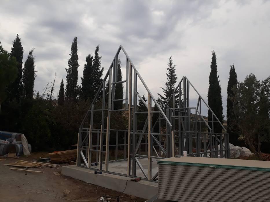 Yapının hafif çelik taşıyıcı sistemi Kırsal Evler ASK MİMARLIK İNŞAAT Kırsal/Country Demir/Çelik