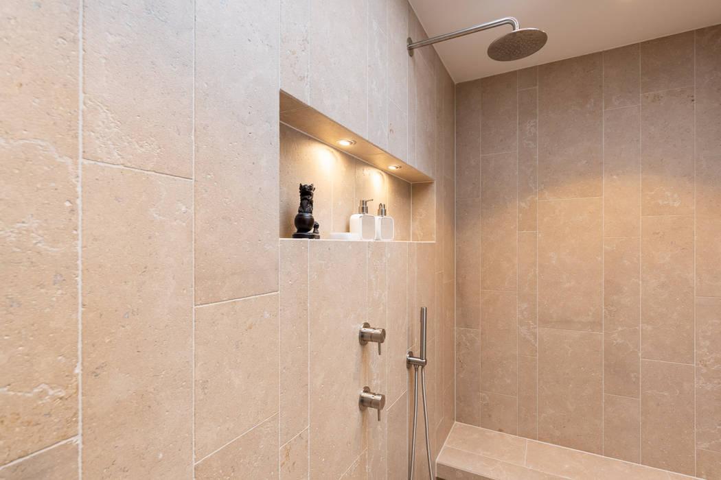 Modern Bad Modern bathroom by Vivante Modern
