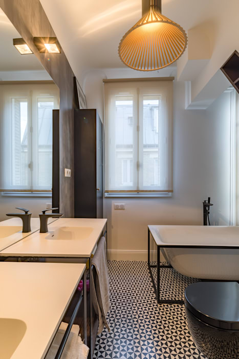 Appartement rue Guersant 75017 Paris Salle de bain moderne par Philippe Conzade Moderne