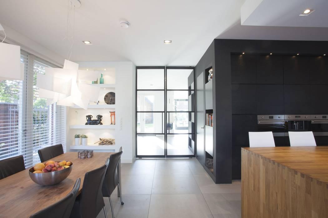 Leefkeuken villa Oranjeburgh Schiedam van Thijssen Verheijden Architecture & Management Modern